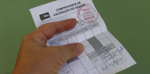 Liberado certificado  para quem tomou vacinas diferentes