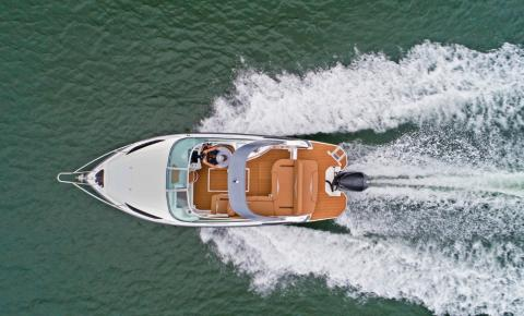 Nova versão para lancha de 25 pés é o lançamento da Triton Yachts
