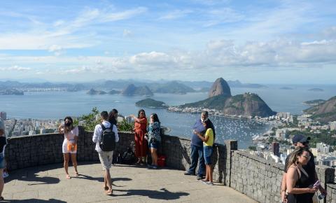 Prefeito do Rio prevê desobrigar uso de máscaras em duas semanas