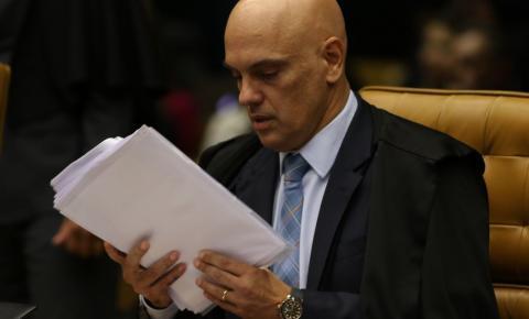 Moraes autoriza PF a marcar depoimento de Bolsonaro