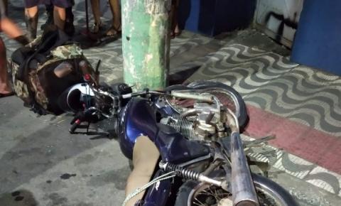 Motociclista colide com poste em Colatina