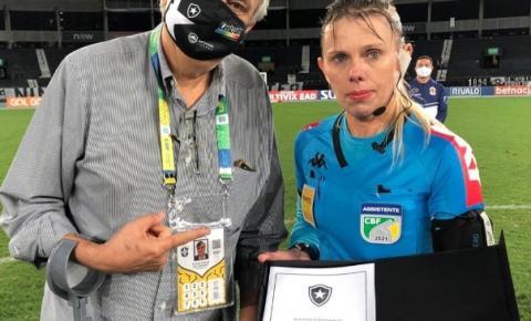 Katiuscia é Alvo de ofensas machistas em jogo do Botafogo